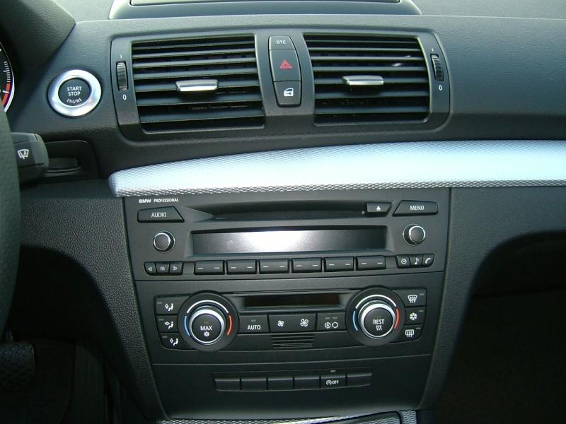 Photos et pr sentation de votre bmw serie 1 bmw 120 for Eclairage automatique interieur