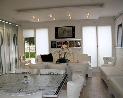 Conseil d co photos de faux plafond avec lumi re indirecte for Deco lumiere sejour