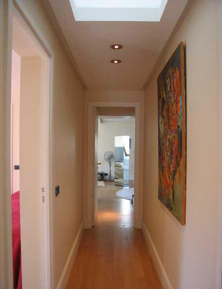 spots dans le faux plafond du couloir quels choisir. Black Bedroom Furniture Sets. Home Design Ideas