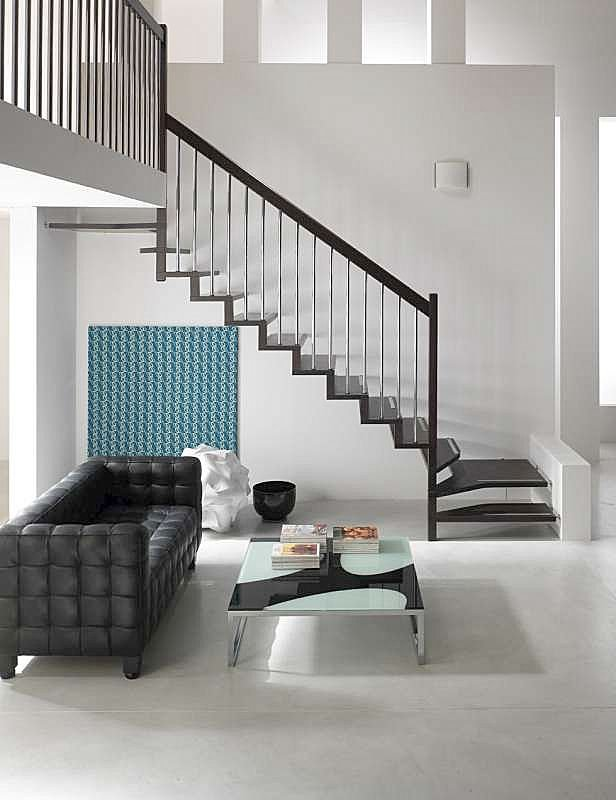 conseil deco couleurs mur escalier maj p1. Black Bedroom Furniture Sets. Home Design Ideas