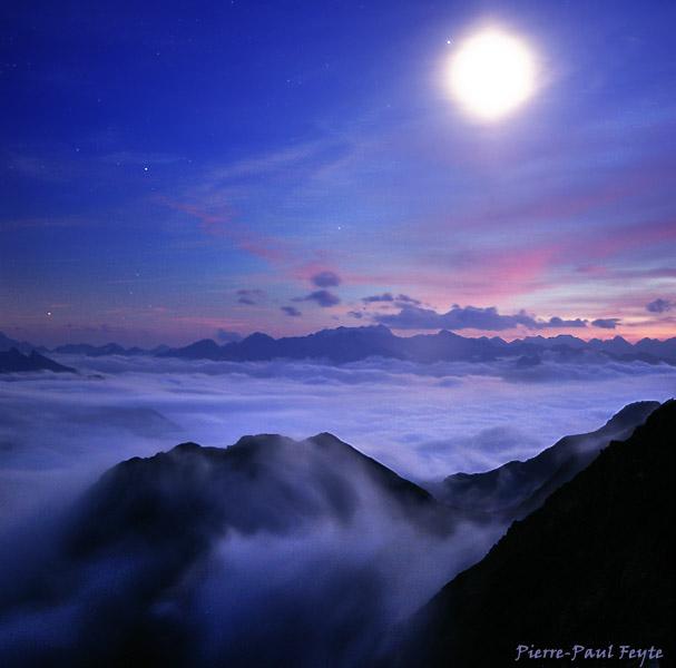 dans fond ecran pleine lune astrof16