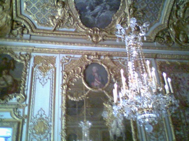 Versailles la chambre de la reine for Chambre de la reine versailles