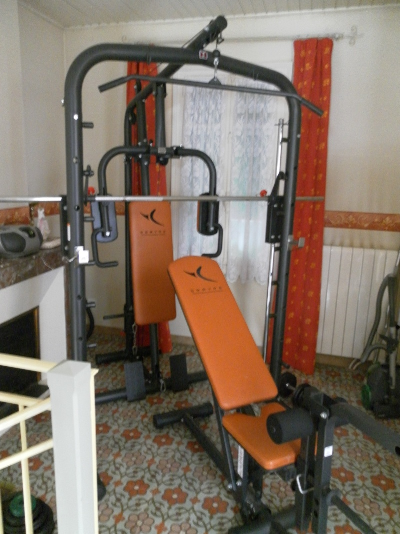 vends materiels domyos 11800. Black Bedroom Furniture Sets. Home Design Ideas