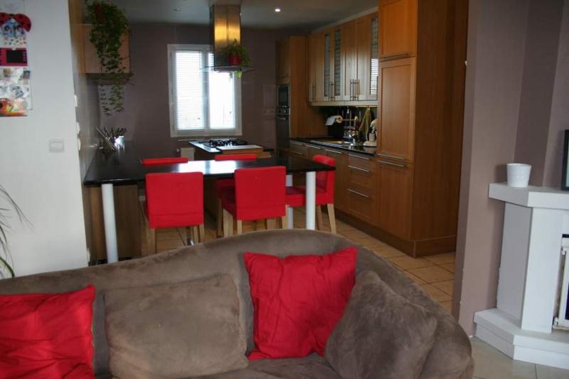 moderniser et donner du cachet svp. Black Bedroom Furniture Sets. Home Design Ideas