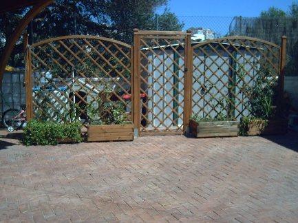 Jardin de oli por zonas - Celosia con jardinera ...