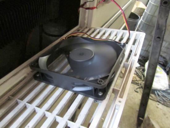 monter un ventilateur pour frigo. Black Bedroom Furniture Sets. Home Design Ideas