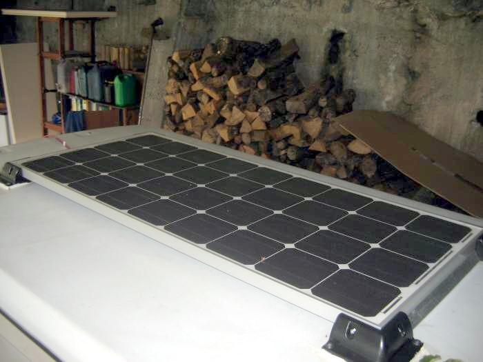 forum eriba consulter le sujet la pose de mon panneau solaire. Black Bedroom Furniture Sets. Home Design Ideas