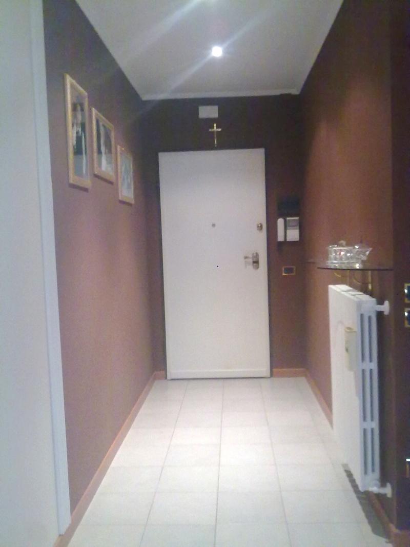 Pittura per corridoio ou83 pineglen - Idee pittura pareti ...