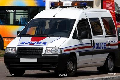 london police van responding. Black Bedroom Furniture Sets. Home Design Ideas