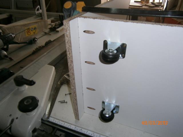 Placards coulissants sous escalier car tuning - Fabriquer un meuble sous escalier ...