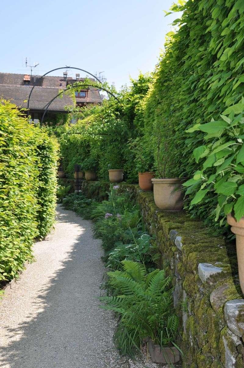 Le jardin des cinq sens yvoire france for Le jardin des 5 sens nantes