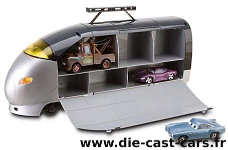 Ds petite collection cars 2 disney store page 3 - Coffre a jouet cars ...